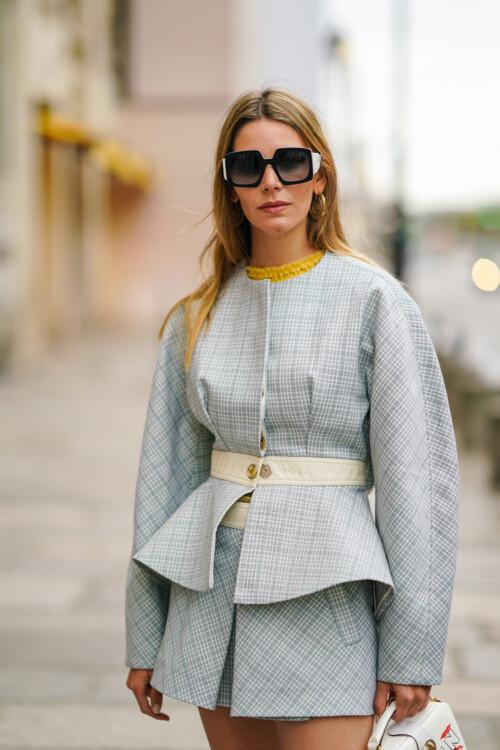 Как носить костюм-двойку с юбкой этой осенью стритстайл примеры фото осень 2020 фото
