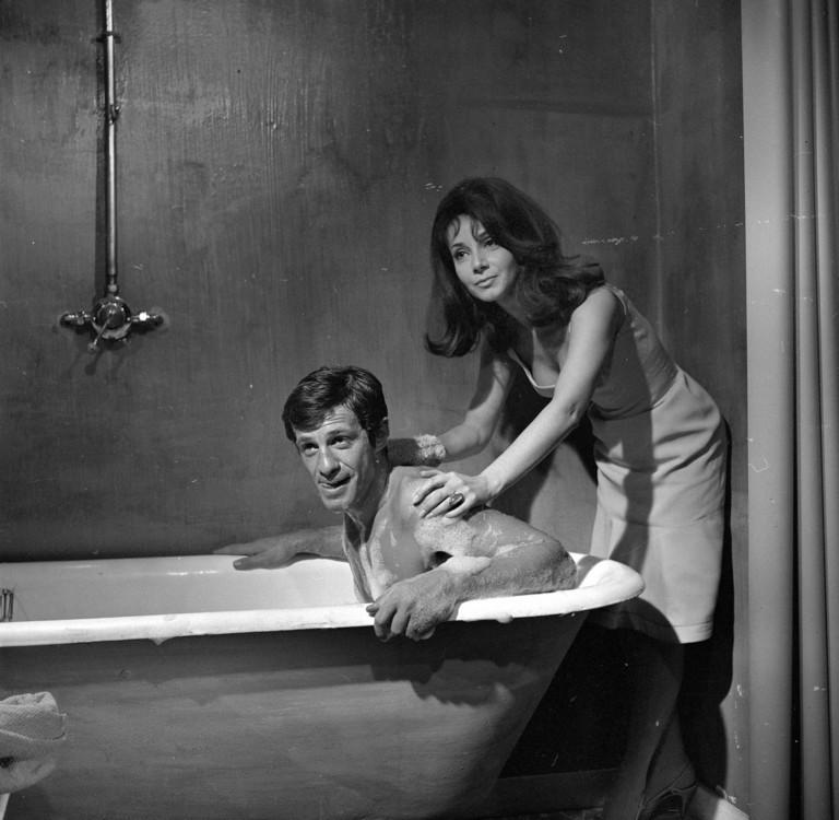 """С актрисой Андреа Паризи на съемках фильма """"Сто тысяч долларов на солнце"""", 1962"""