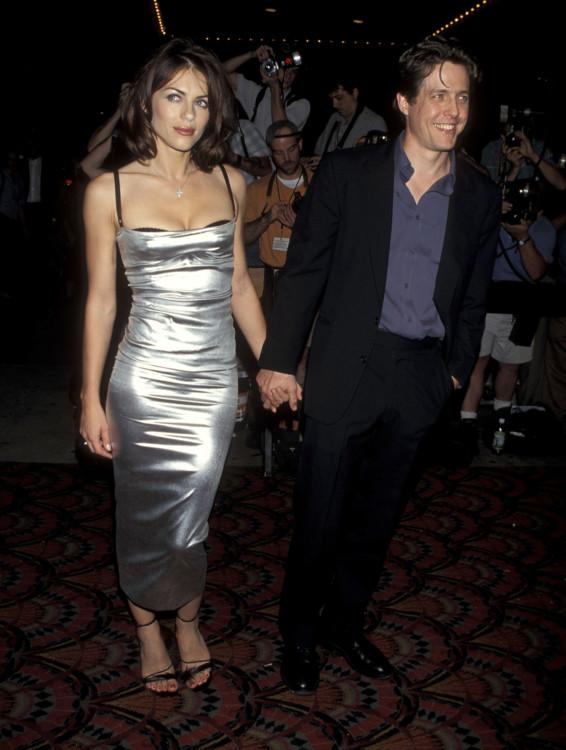 Элизабет Херли и Хью Грант на премьере фильма «Вечная полночь», 1998