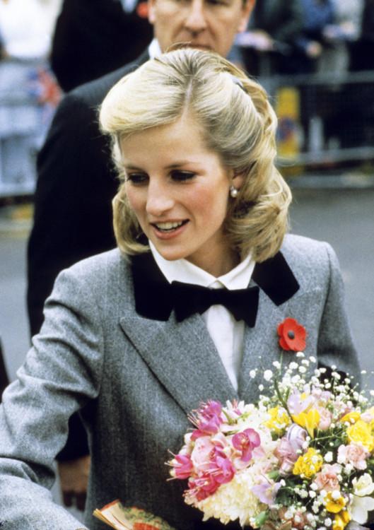 Диана в 1984, вскоре после рождения младшего сына, Гарри. Тогда ее волосы были максимальной длины