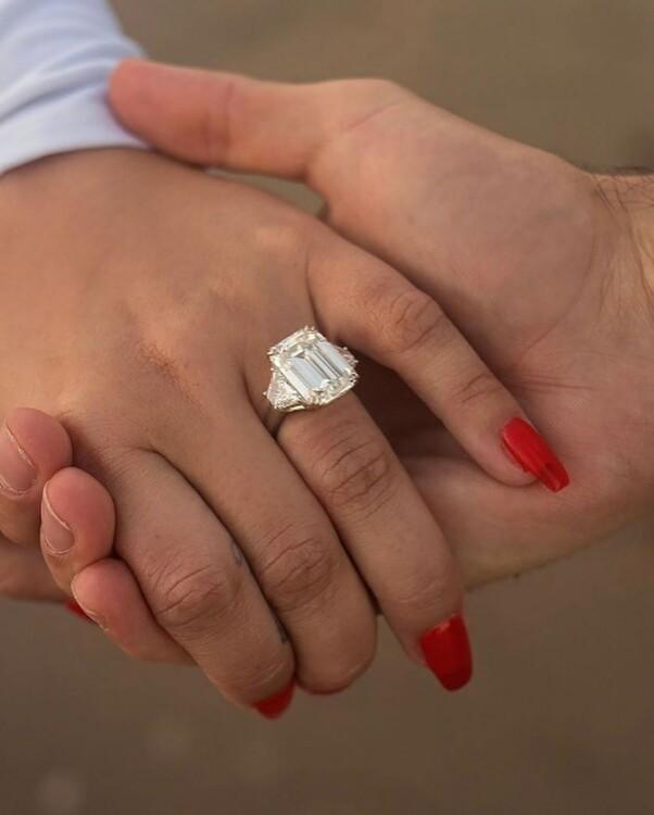 Обручальное кольцо Деми Ловато