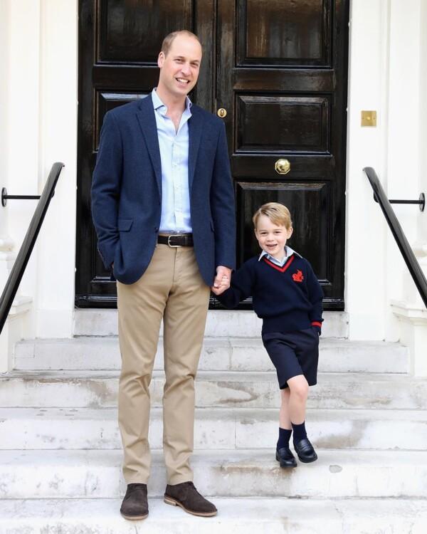 Принц Джордж Кембриджський з принцом Вільямом