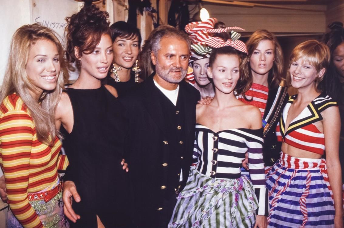 Ева Салвэйл, Кристи Тарлингтон, Джанни Версаче и Кейт Мосс, Versace Haute Couture весна-лето, 1993, Париж