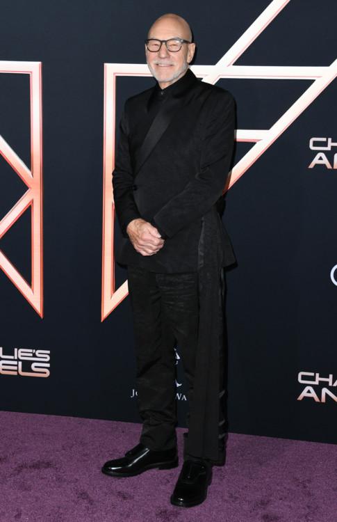 Патрик Стюарт в Dior Homme на премьере фильма «Ангелы Чарли» в Лос-Анджелесе, 2019