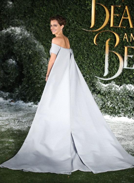 Эмма Уотсон в платье Emilia Wickstead в Лондоне