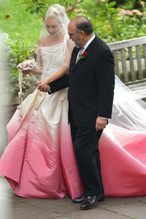 Гвен Стефани в платье от Джона Гальяно
