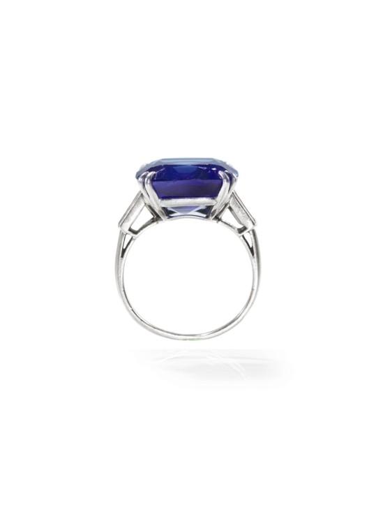 Перстень з кашмірським сапфіром Chaumet