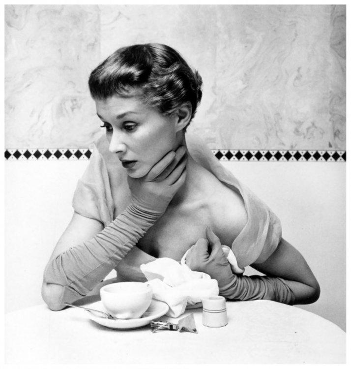 Лиза Фонсагривс, 1949 год