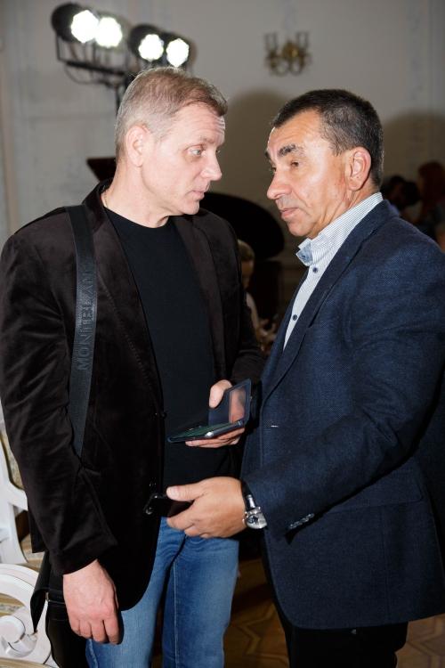 Юрий Сугак (слева)
