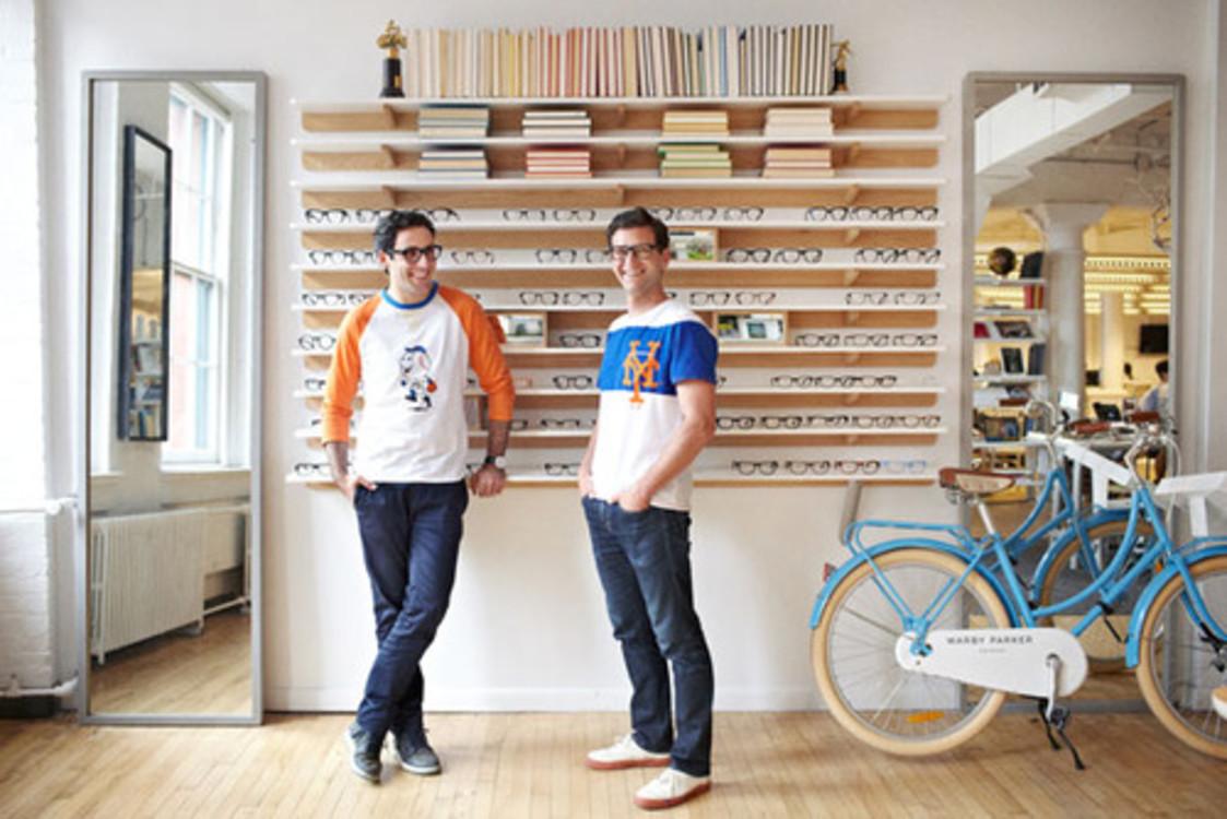 Дэвид Гильбоа (справа) в своем офисе в Нью-Йорке