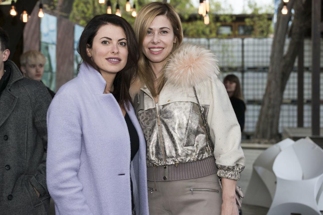 Ирен Букур с подругой