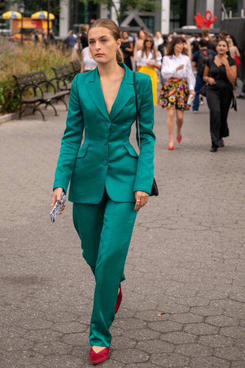 Шелковые костюмы стритстайл фото лето 2020 фото