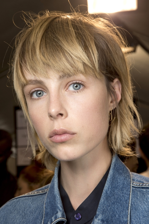 Топ-модель Эди Кемпбелл за кулисами показа Isabel Marant, весна-лето 2016