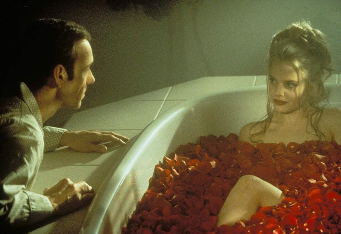 Кевін Спейсі і Міна Суварі у фільмі «Краса по-американськи», 1999