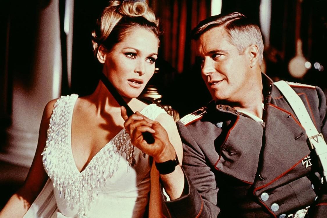 """С Джорджем Пеппардом, кадр из фильма """"Орден Голубой Макс"""", 1966"""