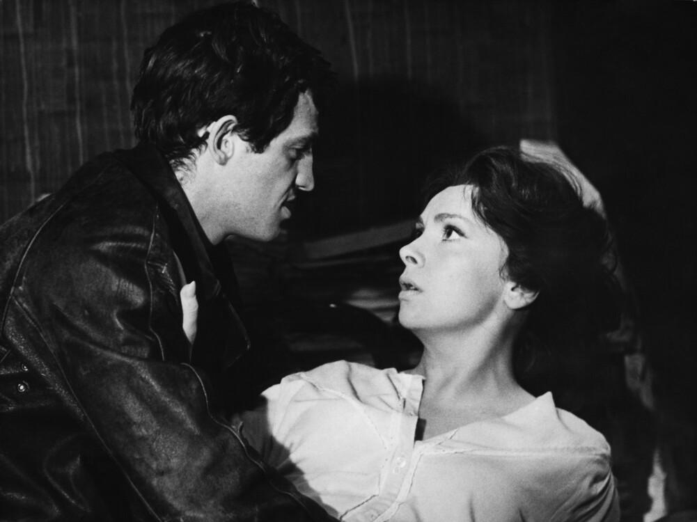 """С актрисой Джиной Лоллобриджидой на съемках фильма """"Бурное море"""", 1963"""