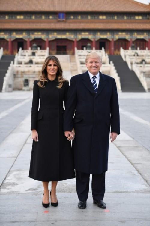 Мелания Трамп в пальто Dolce & Gabbana