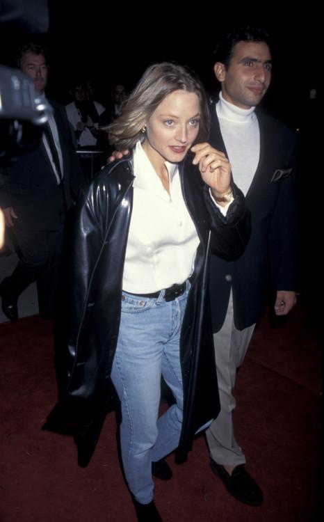 """Джоди Фостер на премьере фильма """"Дьявол в синем платье"""", 1995 год"""