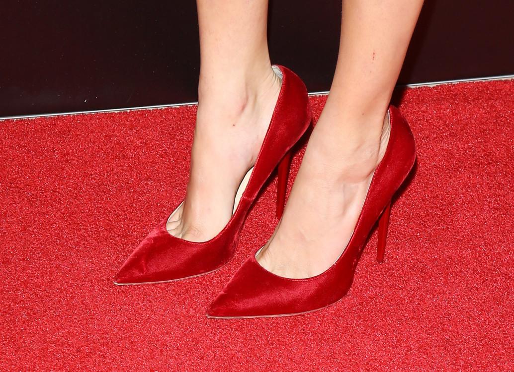 Кара Делевинь в обуви Jimmy Choo