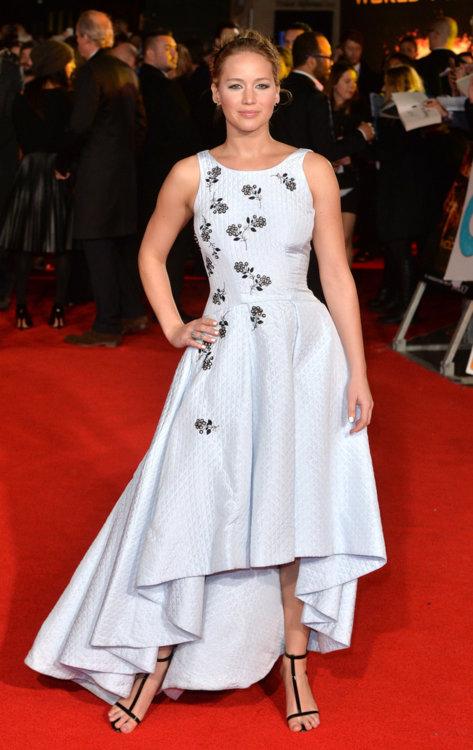 Дженнифер Лоуренс  в платье Dior