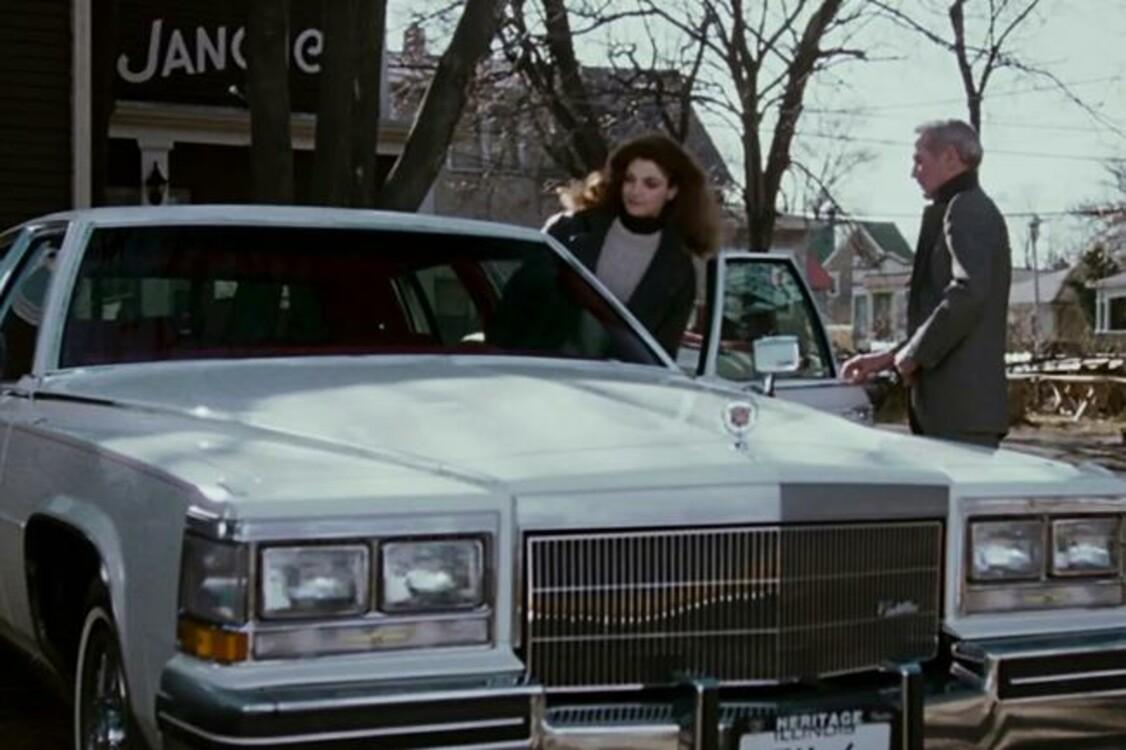 """Cadillac Fleetwood Brougham (1984) в спортивной драме """"Цвет денег"""" (1986) эффектно катает на своих четырех героя Пола Ньюмана Эдди Фелсона. Photo: Touchstone Pictures"""