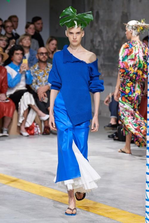 Синий Klein blue в коллекциях весна-лето 2020 фото