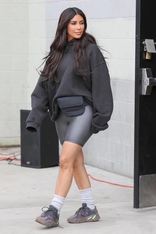 Ким Кардашьян в велосипедках как одевается