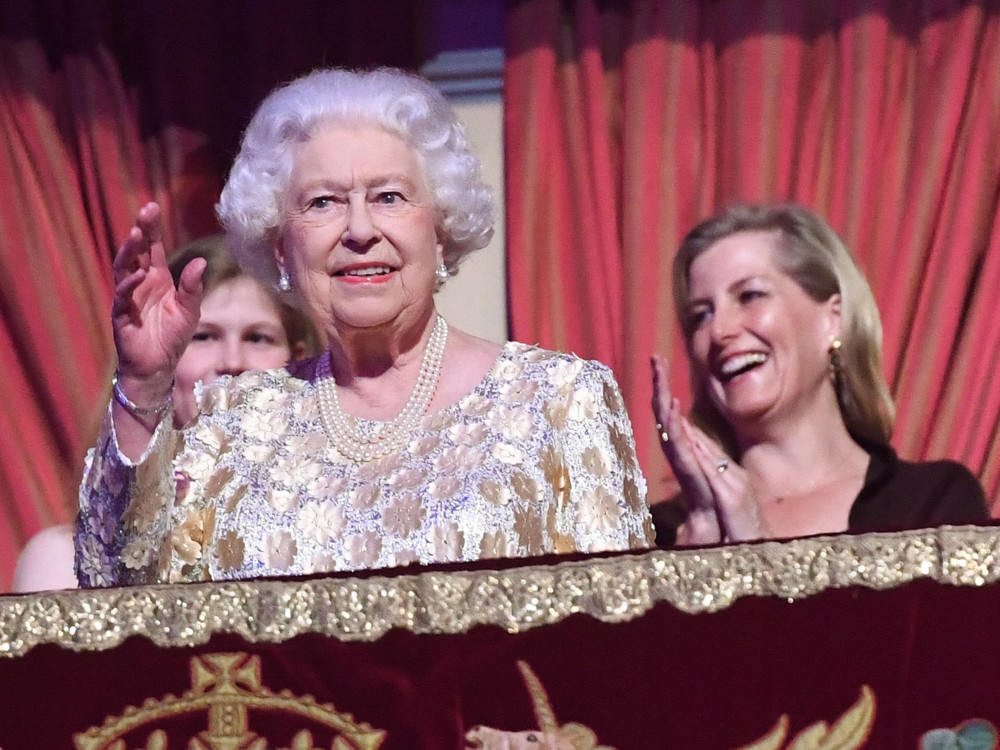 Королева Єлизавета II