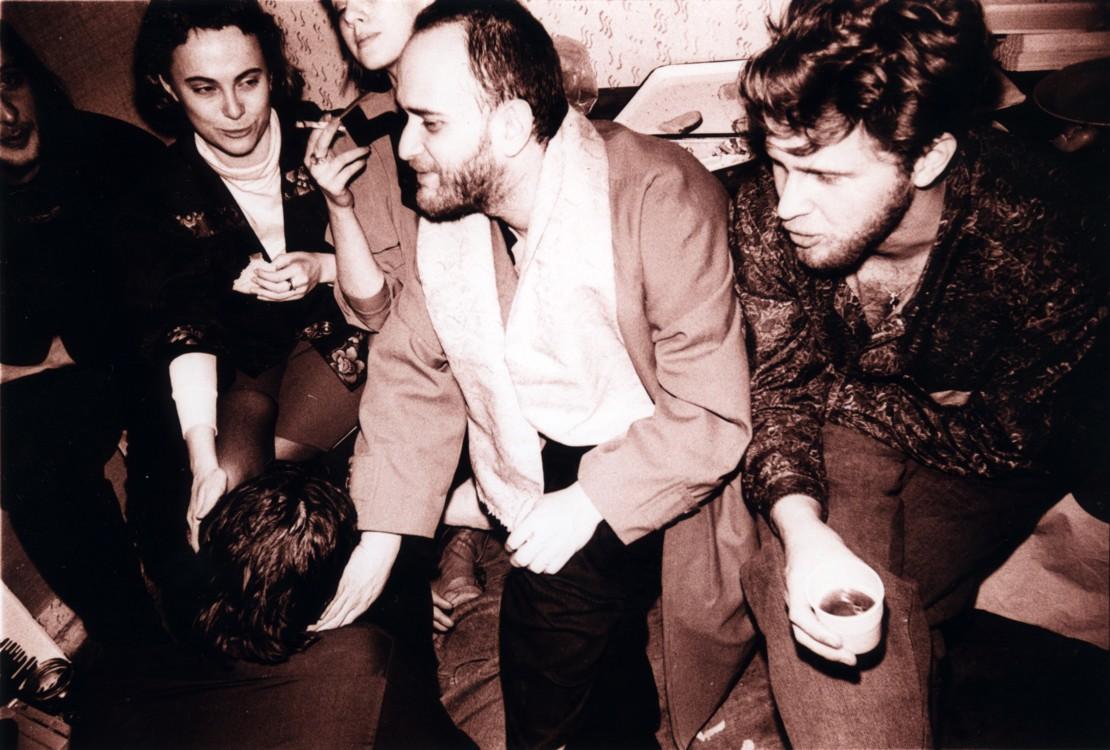 Тусовка круга художников Парижской коммуны, начало 1990-х. Из архива Александра Соловьева