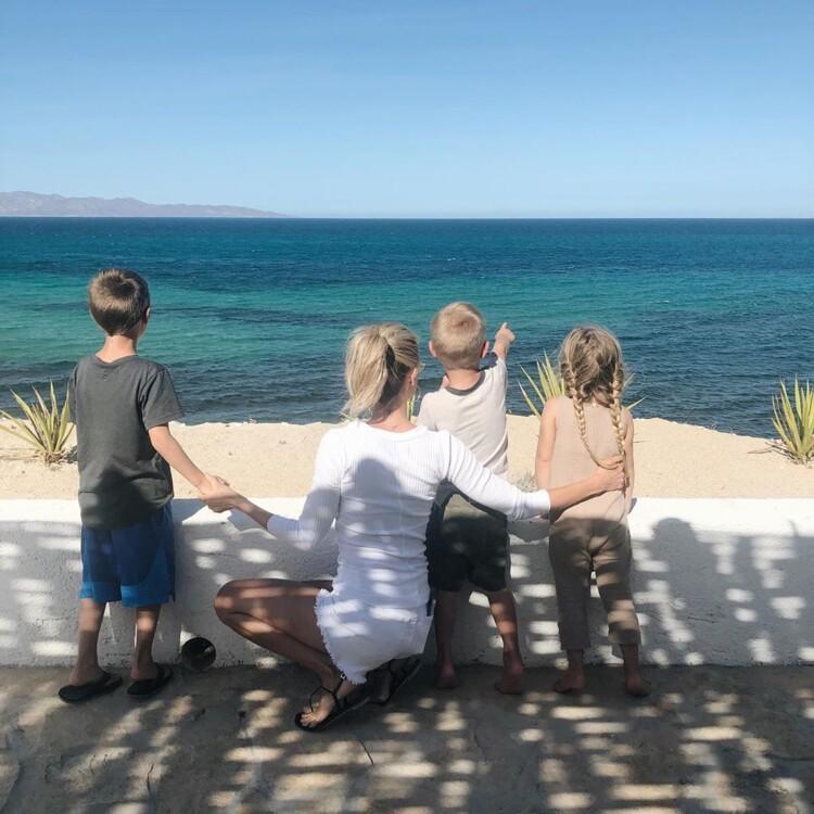 Крістін Кавалларі з дітьми