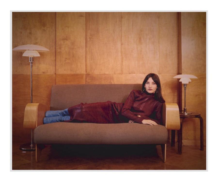 Топ и юбка - Kenzo, сапоги Joseph, серьги - собственность стилиста