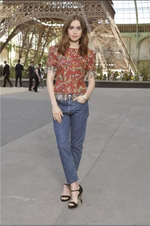 Лили Коллинз в Chanel