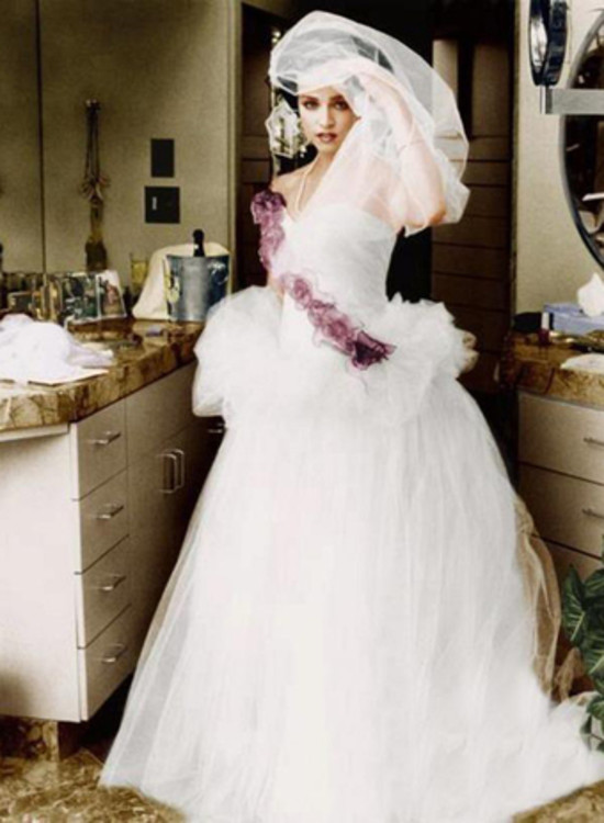 Мадонна в платье от Marlene Stewart