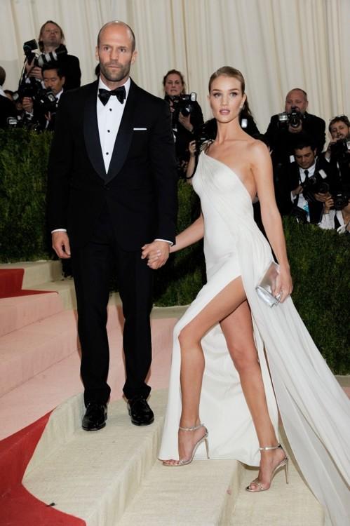 в платье Ralph Lauren