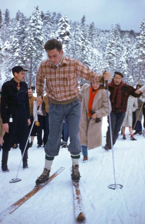 19 архивных фотографий мужчин-знаменитостей на зимнем отдыхе фото