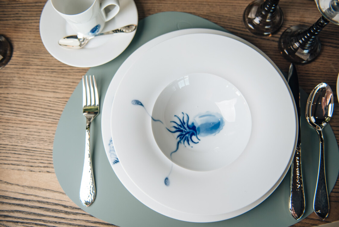 Посуда,бокалы – Hering Berlin, приборы – Robbe & Berking
