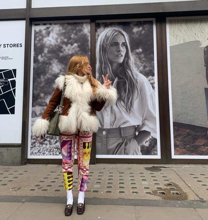 Как модницы носят лоферы с белыми носками этой осенью 2020 примеры фото