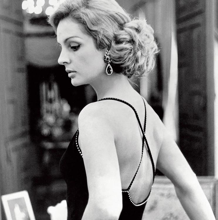 Она начала свою карьеру, работая на Emilio Pucci в Каракасе в 1960-х