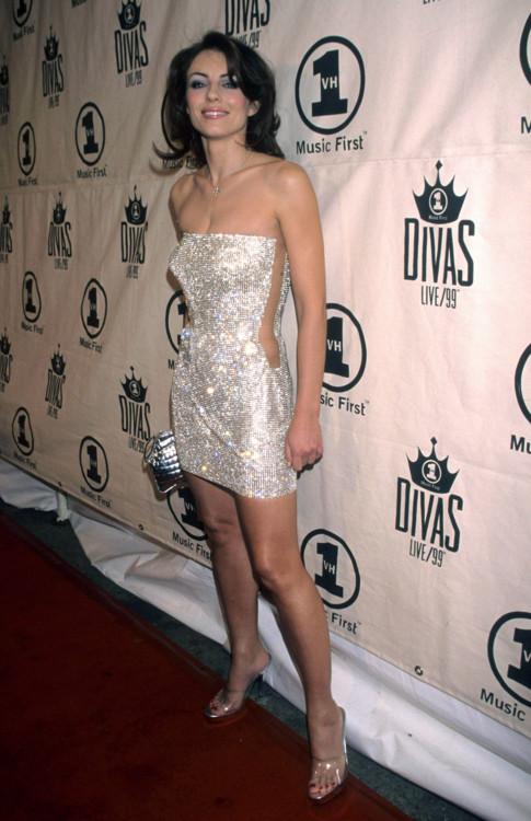 Элизабет Херли на VH1 Divas Live, 1999