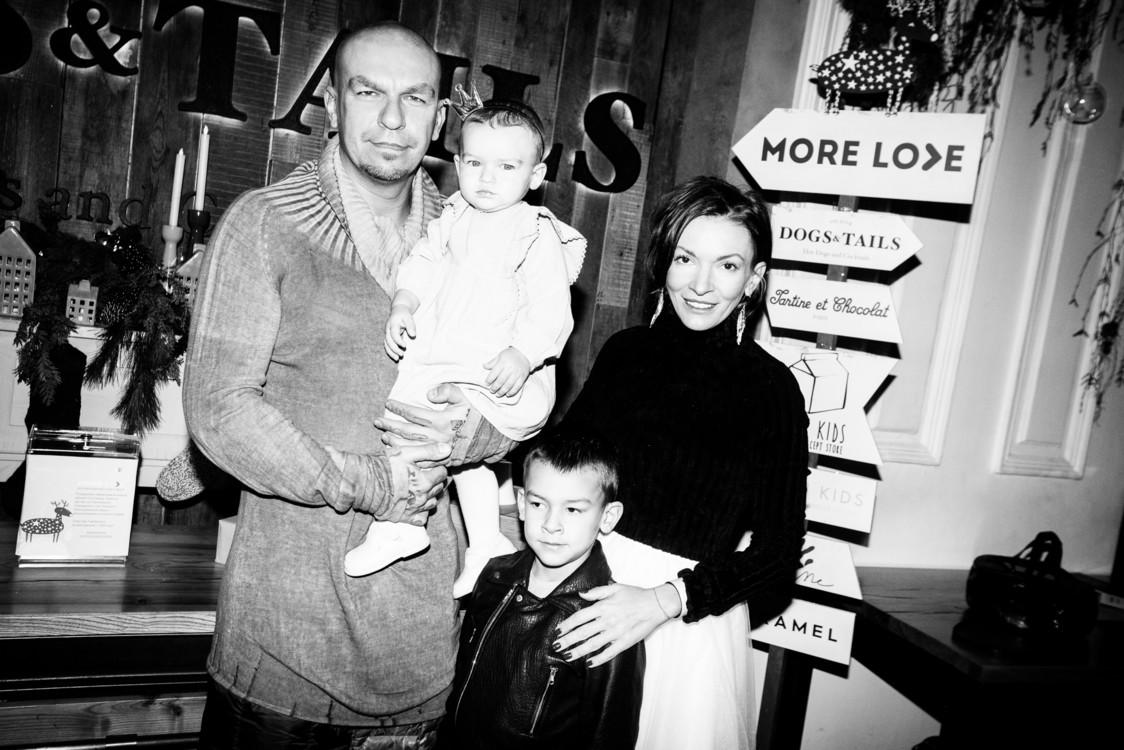 Юрий Чернецкий и Полина Неня с детьми