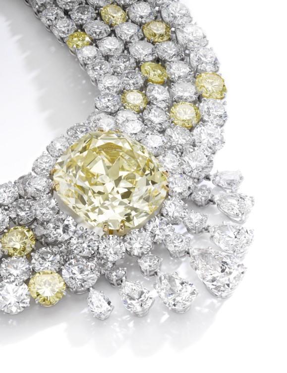 Лот 274 - Fancy Intense Yellow diamond necklace, Sotheby's