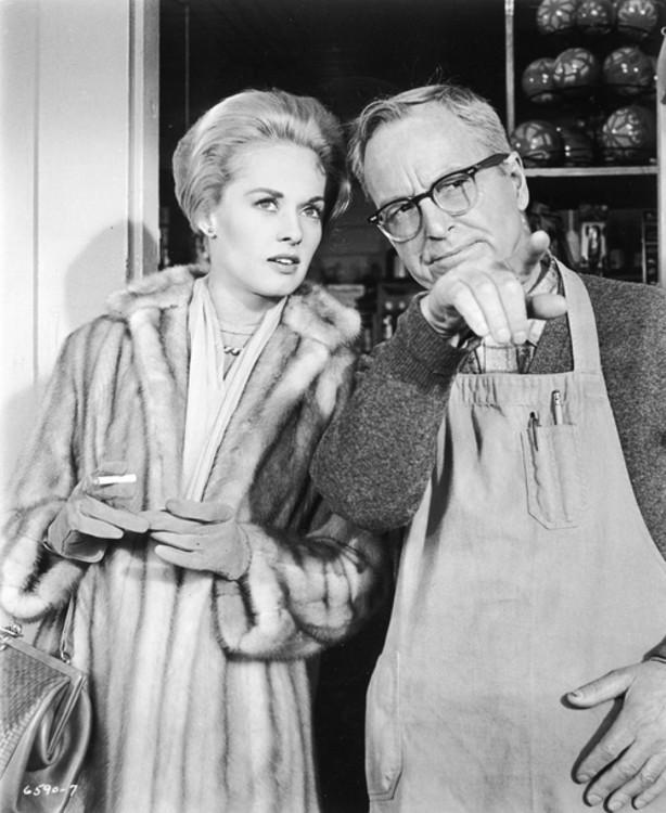 Типпи Хедрен и Джон Макговерн в фильме «Птицы», 1963 год