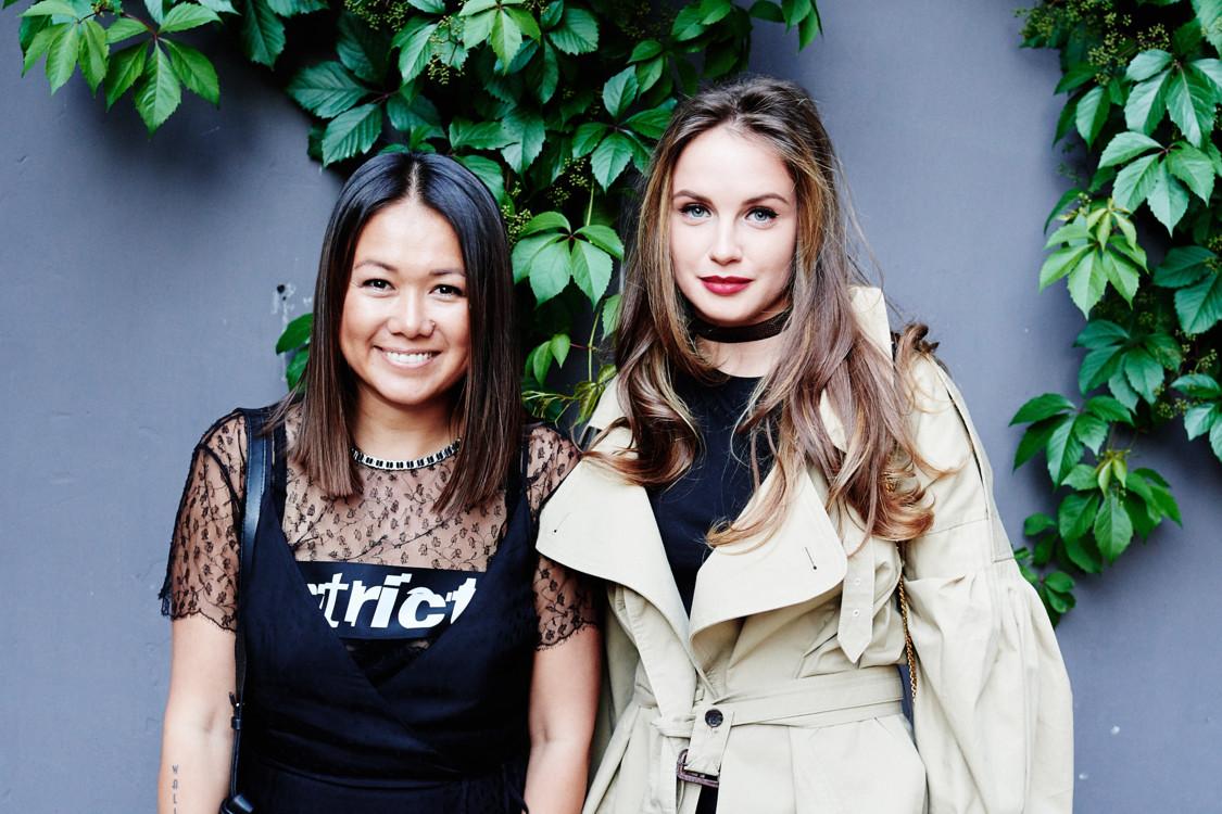 Лида Петрова (слева)