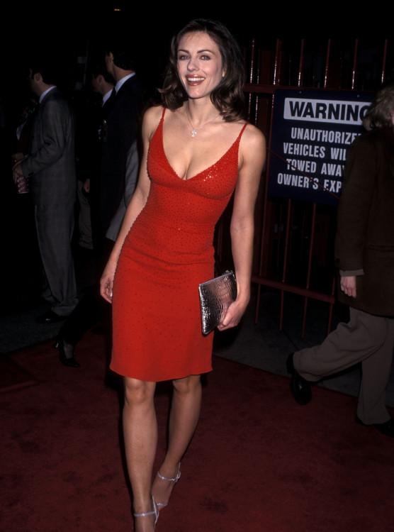 Элизабет Херли на премьере фильма «Эд из телевизора», 1999