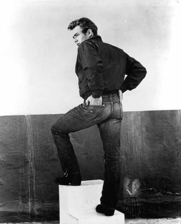 Джеймс Дин на съемках фильма «Бунтарь без причины», 1955