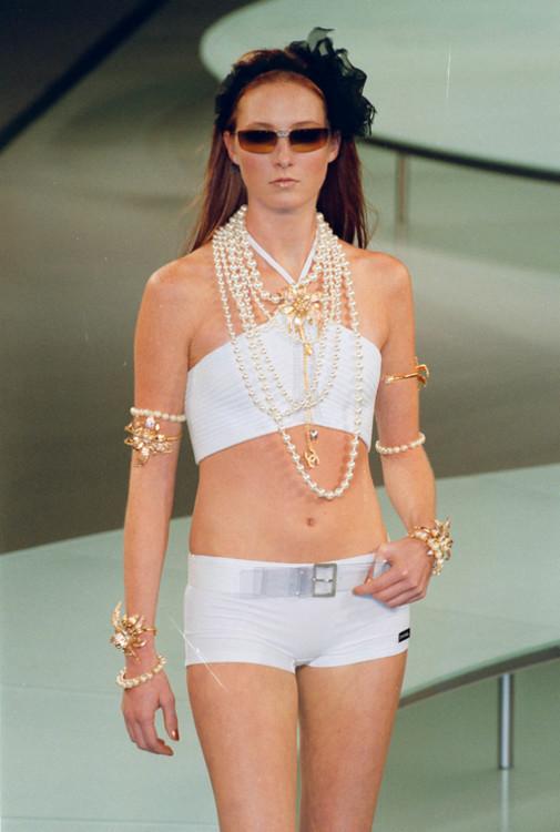 Chanel весна-літо 2002