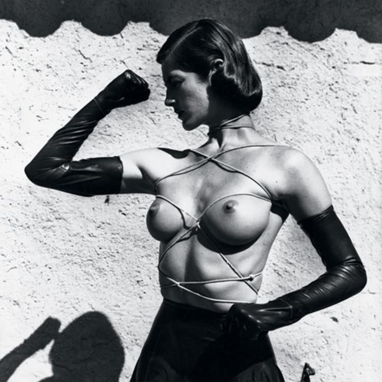 """""""Бюст в цепях"""", Раматюэль, 1980"""