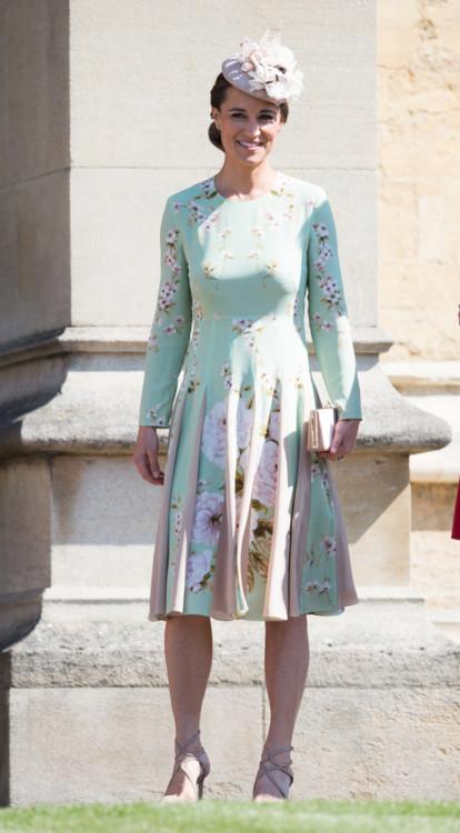 Піппа Міддлтон в сукні Hepburn на весіллі принца Гаррі і Меган Маркл