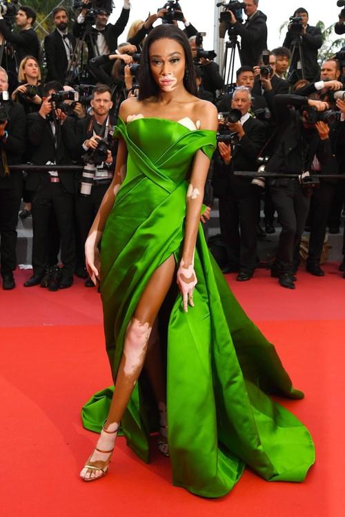 Вінні Гарлоу у сукні Ralph & Russo і прикрасах de Grisogono