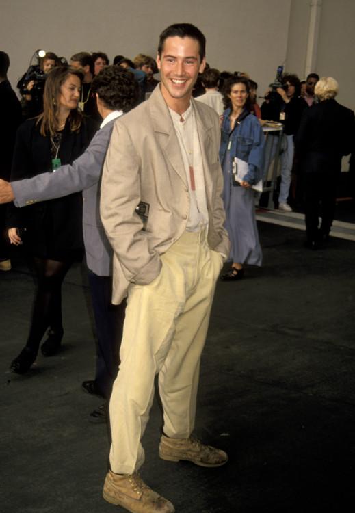 Кіану Рівз під час 2-ї щорічної церемонії вручення премій MTV Movie Awards, 1993